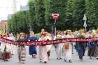 Dziesmu un deju svētku atklāšanas gājiens pulcē Rīgā visus Latvijas novadus (201-300) 1