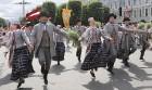 Dziesmu un deju svētku atklāšanas gājiens pulcē Rīgā visus Latvijas novadus (201-300) 29