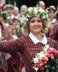 Dziesmu un deju svētku atklāšanas gājiens pulcē Rīgā visus Latvijas novadus (201-300) 45