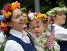 Dziesmu un deju svētku atklāšanas gājiens pulcē Rīgā visus Latvijas novadus (201-300) 48