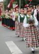 Dziesmu un deju svētku atklāšanas gājiens pulcē Rīgā visus Latvijas novadus (201-300) 74
