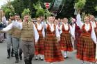 Dziesmu un deju svētku atklāšanas gājiens pulcē Rīgā visus Latvijas novadus (201-300) 93