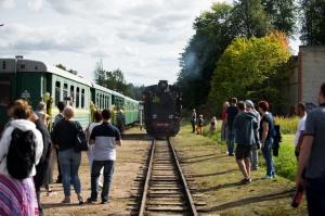 Alūksnē lustīgi svin Bānīša svētkus - vienīgā regulāri kursējošā šaursliežu dzelzceļa vilciena 116.dzimšanas dienu 4