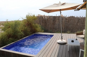 Travelnews.lv nakšņo luksus klases teltī, ko piedāvā «Kingfisher Lodge». Atbalsta: VisitSharjah.com un Novatours.lv 2