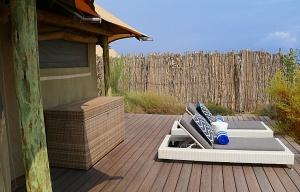 Travelnews.lv nakšņo luksus klases teltī, ko piedāvā «Kingfisher Lodge». Atbalsta: VisitSharjah.com un Novatours.lv 3