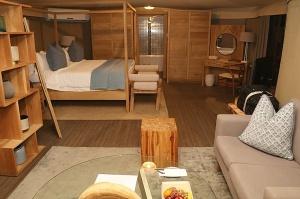 Travelnews.lv nakšņo luksus klases teltī, ko piedāvā «Kingfisher Lodge». Atbalsta: VisitSharjah.com un Novatours.lv 7