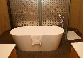 Travelnews.lv nakšņo luksus klases teltī, ko piedāvā «Kingfisher Lodge». Atbalsta: VisitSharjah.com un Novatours.lv 16