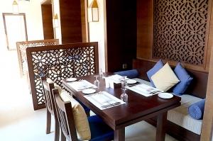 Tuksnesī apmeklējam un pusdienojam Šārdžas emirātu viesnīcā «Al Badayer Oasis», kas pieder emirāta īpašo naktsmītņu kolekcijai «Mysk  Sharjah Collecti 39